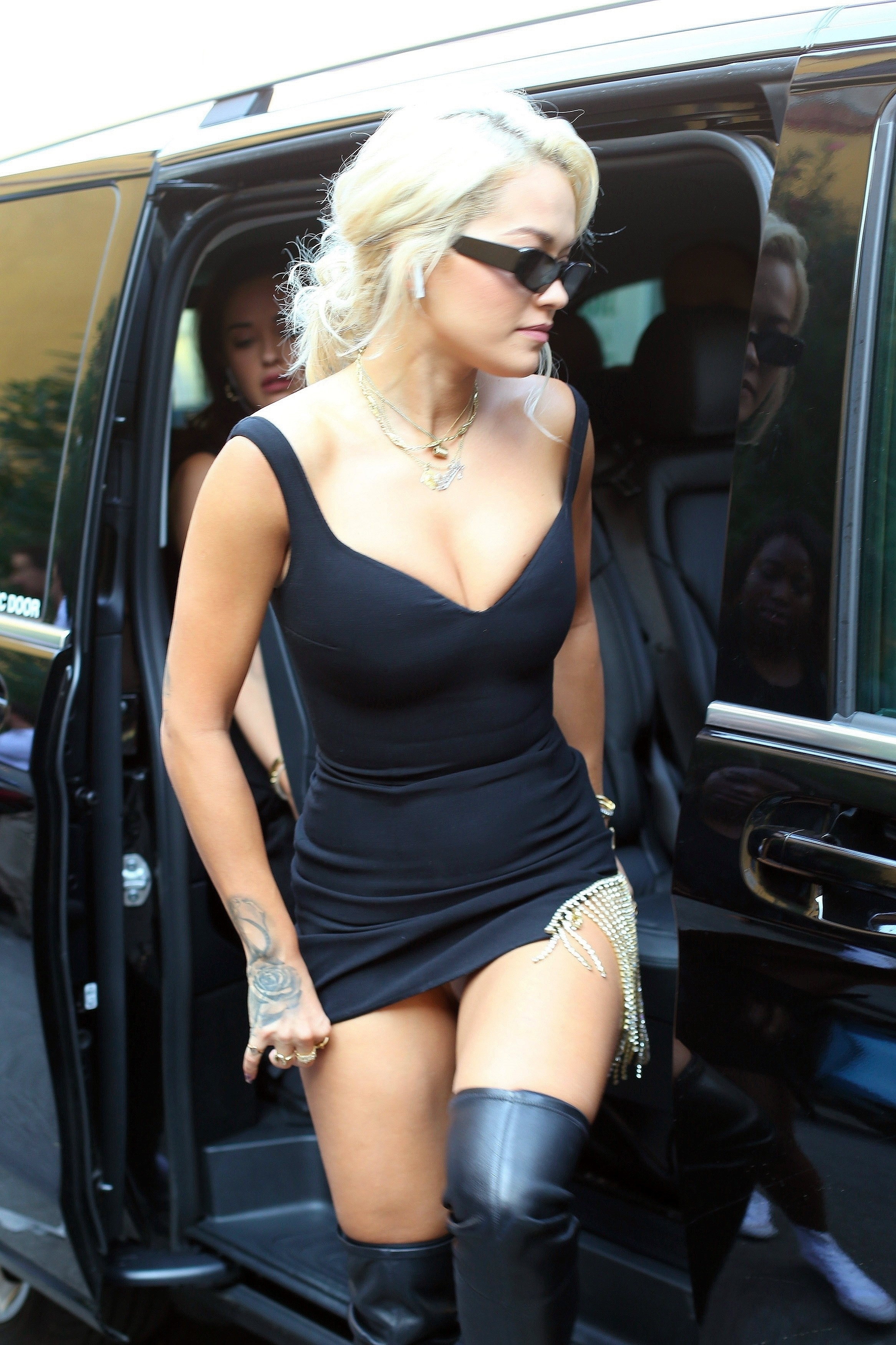 Rita Ora – Upskirt, 09/21/2018