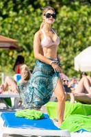 Joy Corrigan - Bikini on the beach in Miami, 12/08/2018