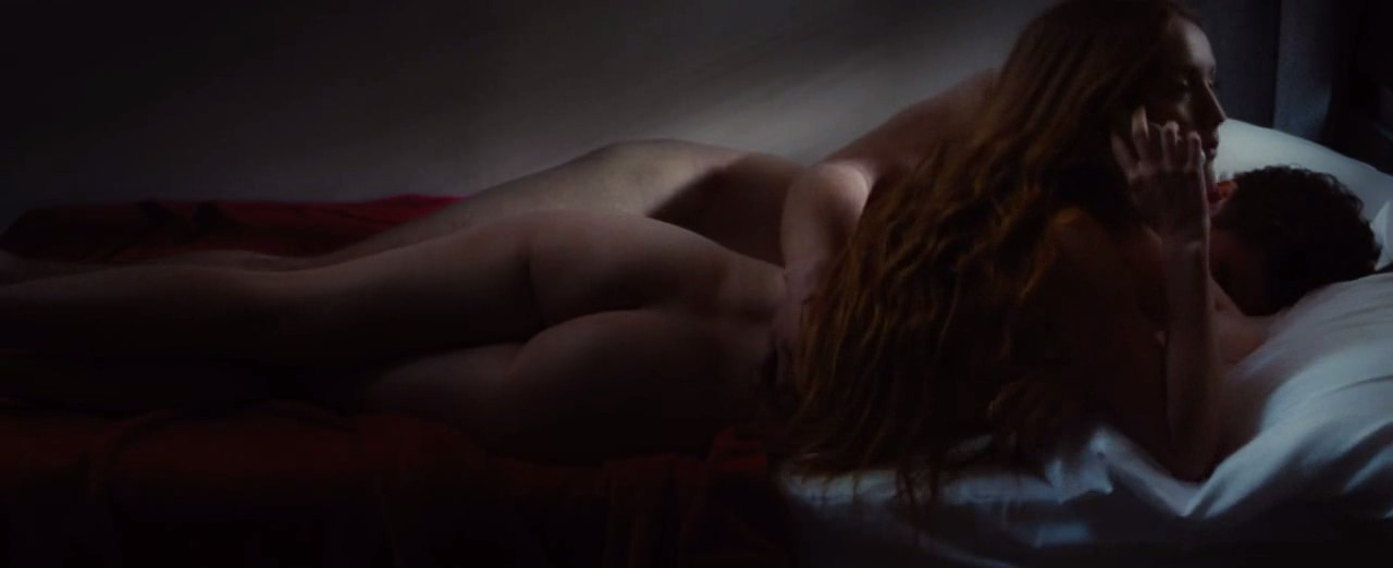 Isla fisher nude and sexy photos